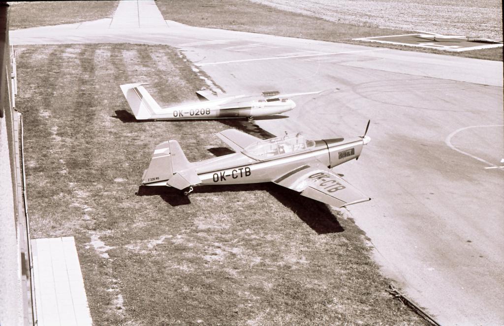 OK-IFG při letu v den 60. narozenin. Fotil Ondra Zábranský